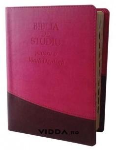 Biblia de studiu pentru o viata deplina cu explicatii - Margini aurii - Index de cautare - Piele ecologica - Roz maro