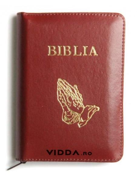 Biblia - Format mic - Maro - In piele cu fermoar - Maini in rugaciune 1