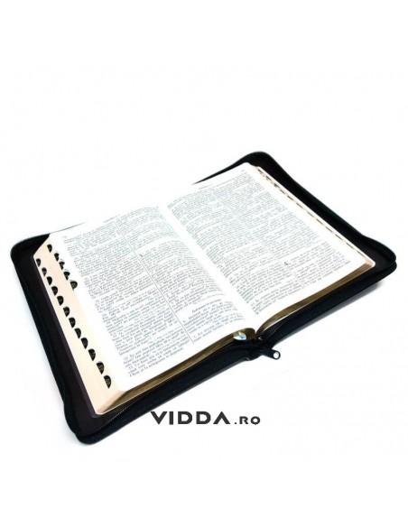 Biblia cu concordanta si explicatii - Margini aurii - Index de cautare - Piele - Neagra